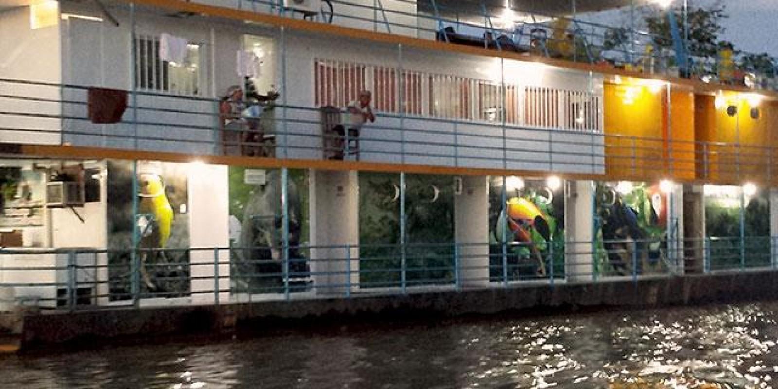 Barco Hotel Matucho - Luis Alves - 20 pessoas